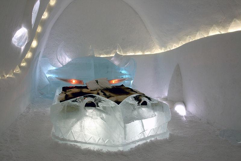 Dragon icehotel