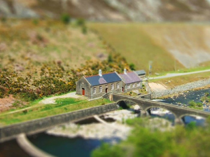 Tilt-shift image of a countryside building