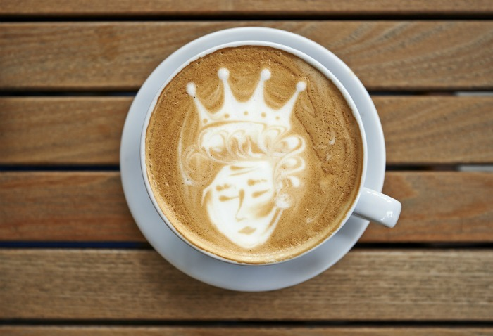 Latte art of a Queen