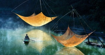 Checking Fishing Net by Hoang Long Ly