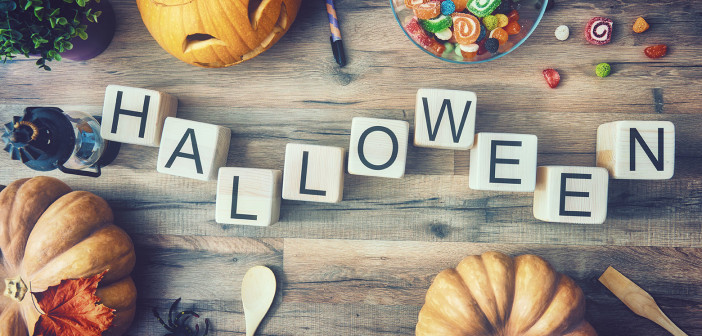10 Ideas to Make Your Own Halloween Decorations